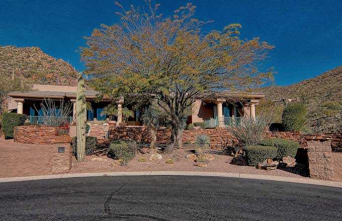 A home for sale sits on the end of the cul-de-sac in Scottsdale Mountain, Scottsdale AZ