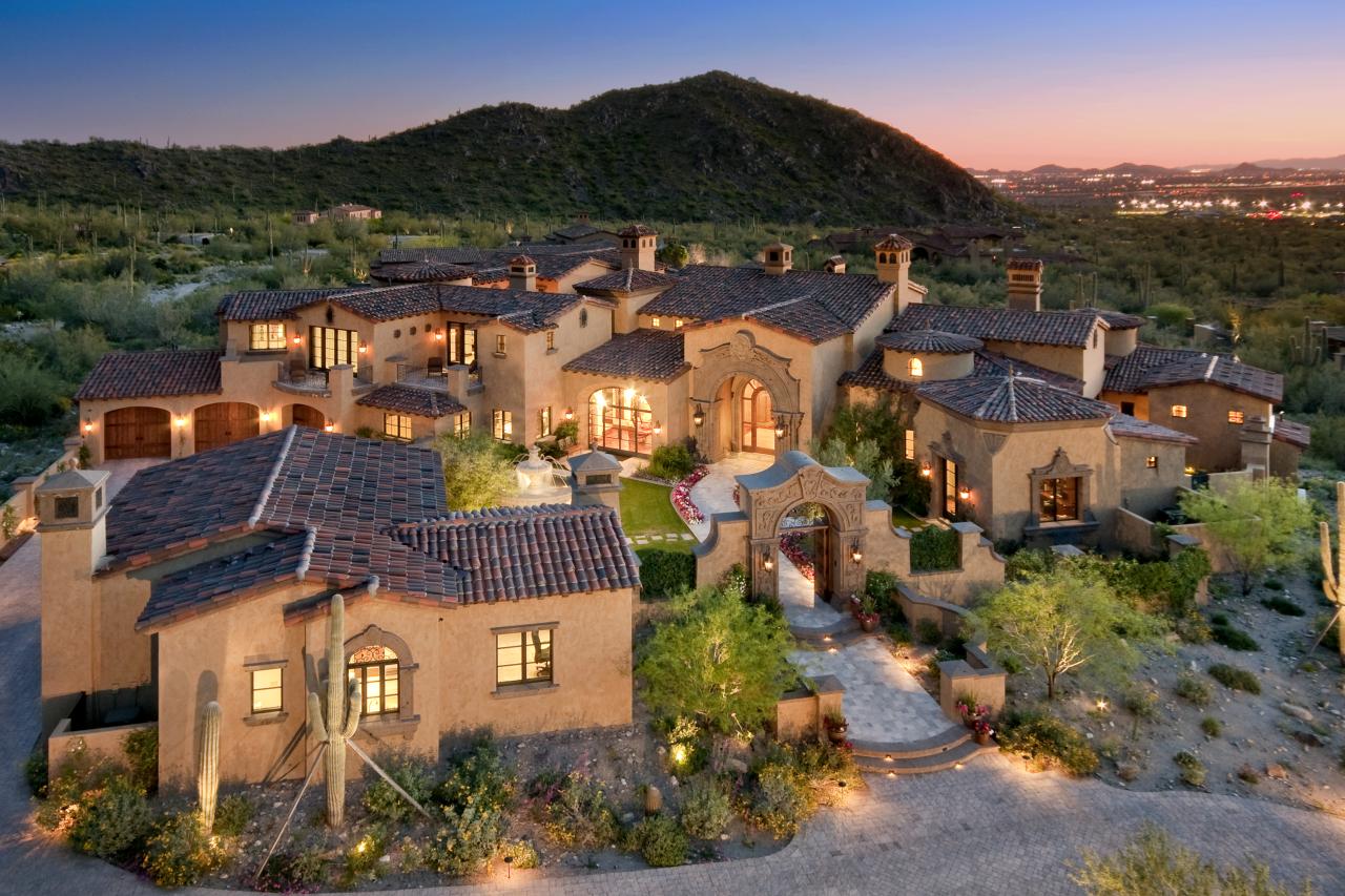 Large homes in Silverleaf neighborhood of Scottsdale AZ